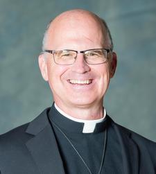 Vandenakker, Fr. Roger